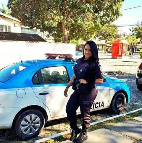 Policial gostosa da PM nua caiu na net