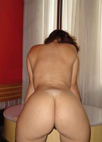 Coroa muito da gostosa de Curitiba (PR) deixou marido fotografar seu corpo nu e postar na net