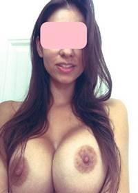 Vazou Selfies peladinha morena dos peitos grandes nua na net