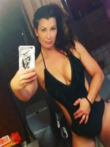 Fotos intimas Lisa Marie Varon Lutadora Profissional do WWE fazendo boquete