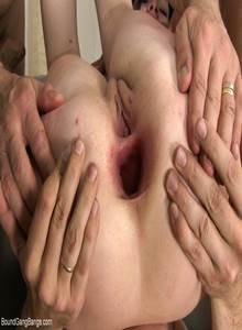 Fotos de tripla penetração anal em mulher arrombada
