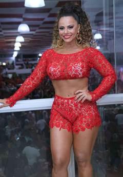 Anal Viviane Araújo dando o cu
