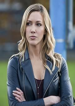 Katie Cassidy nua Atriz da Série Arrow e Supernatural