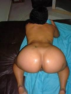 Bunda grande de mulher rabuda pelada