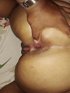 Esposa rabuda só gosta no cu