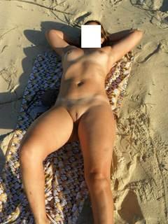 Sexo na praia com esposa madura