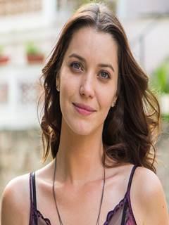 Nathalia Dill nua fazendo sexo