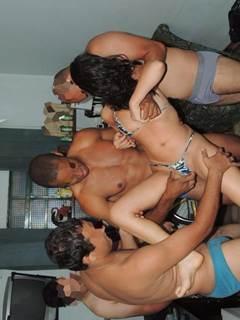 Caiu na net dando o cu na orgia brasileira