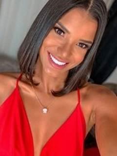 Jakelyne Oliveira pagando peitinho – A Fazenda 12
