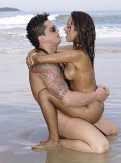 Claudia Bella trepando no porno brasilerinhas