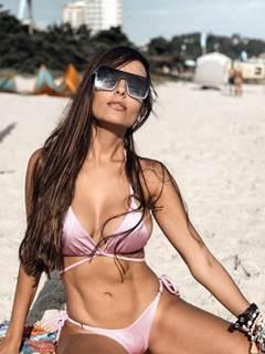 BBB21: Thaís Braz gostosa de mais quase mostrou os peitos