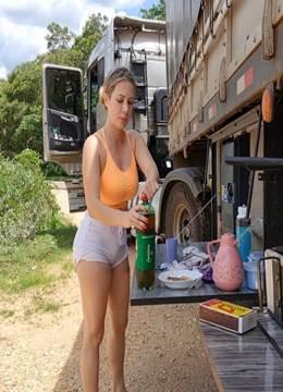 Caminhoneira gostosa a pata de camelo mas linda do Brasil