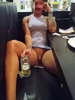 Esposa da buceta greluda adora uma putaria