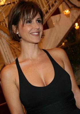 Branca Messina nua transando na serie Amor de 4