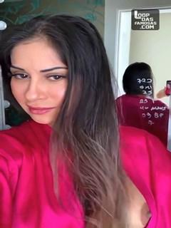 Mayra Cardi pagando peitinho no Instagram